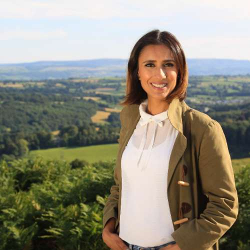 Popular TV presenter Anita Rani is joining the celebrity line-up at this year's Southport Flower Show.    Anita, who is known for appearing on BBC shows Countryside and Watchdog, will meet visitors to the show on the opening day in August.    The talented broadcaster was a semi-finalist on the 2015...